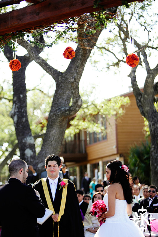 A wedding at Memory Lane event center in Dripping Springs Texas photographed by Austin wedding photographer, Tony Ku (24)