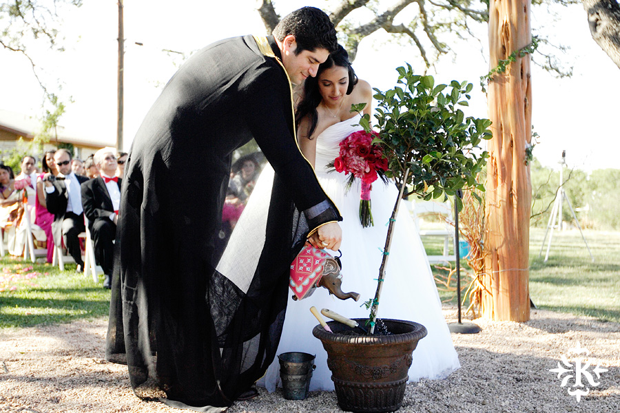 A wedding at Memory Lane event center in Dripping Springs Texas photographed by Austin wedding photographer, Tony Ku (28)