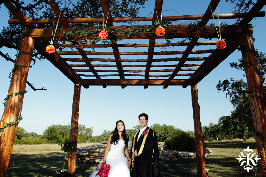 A wedding at Memory Lane event center in Dripping Springs Texas photographed by Austin wedding photographer, Tony Ku (32)