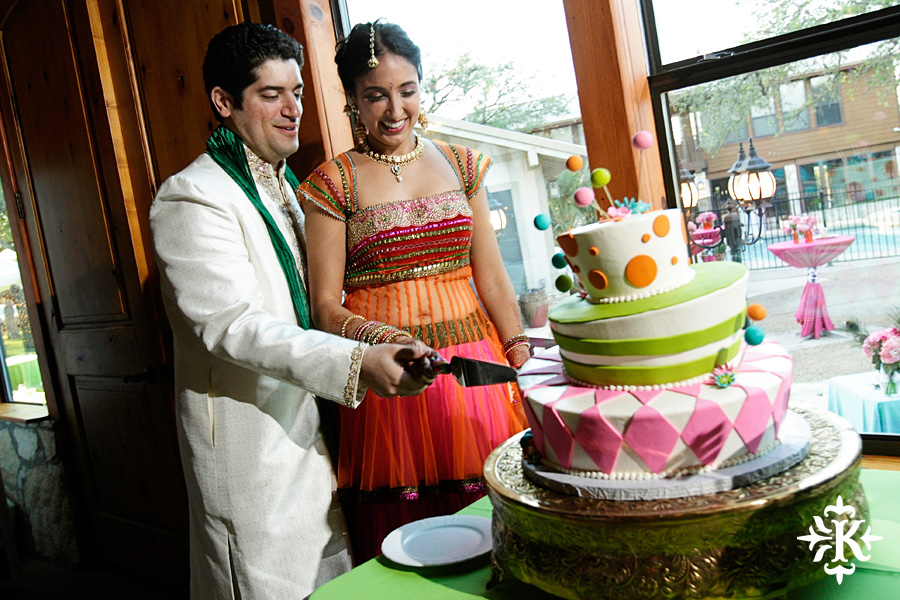 A wedding at Memory Lane event center in Dripping Springs Texas photographed by Austin wedding photographer, Tony Ku (35)