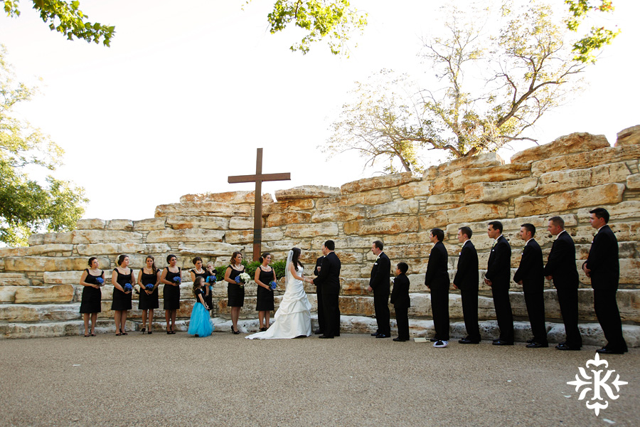 Tenroc ranch wedding in Salado Texas photographed by Auatin wedding photographer Tony Ku (24)
