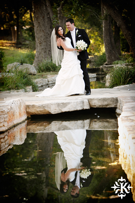Tenroc ranch wedding in Salado Texas photographed by Auatin wedding photographer Tony Ku (30)
