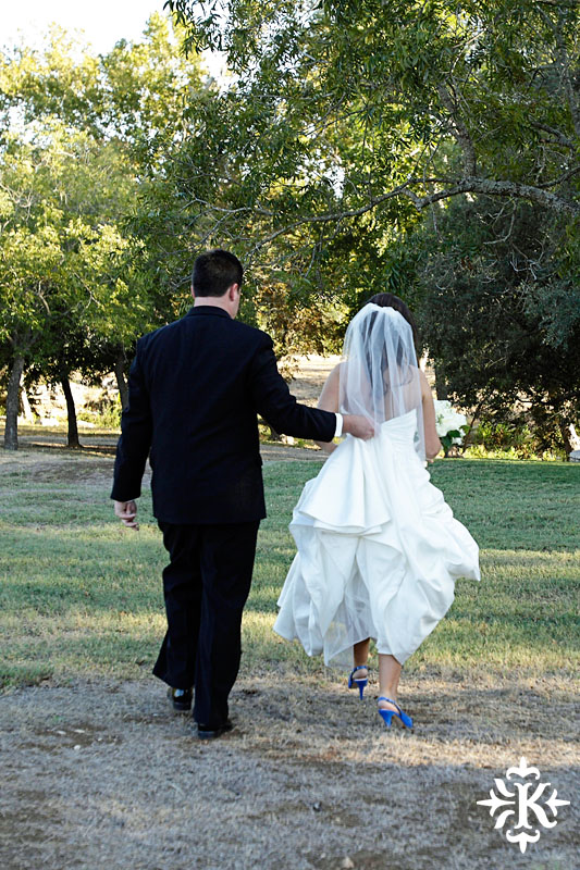 Tenroc ranch wedding in Salado Texas photographed by Auatin wedding photographer Tony Ku (31)
