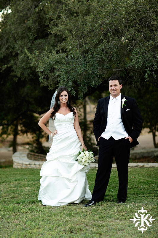 Tenroc ranch wedding in Salado Texas photographed by Auatin wedding photographer Tony Ku (32)