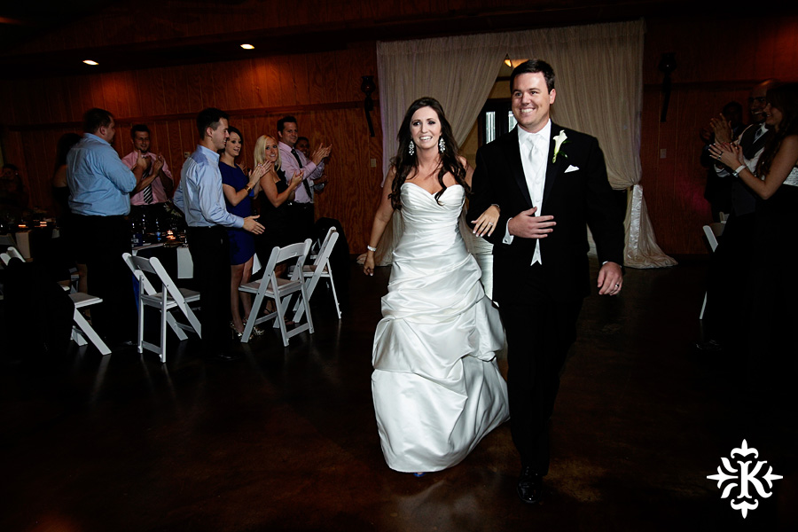 Tenroc ranch wedding in Salado Texas photographed by Auatin wedding photographer Tony Ku (34)