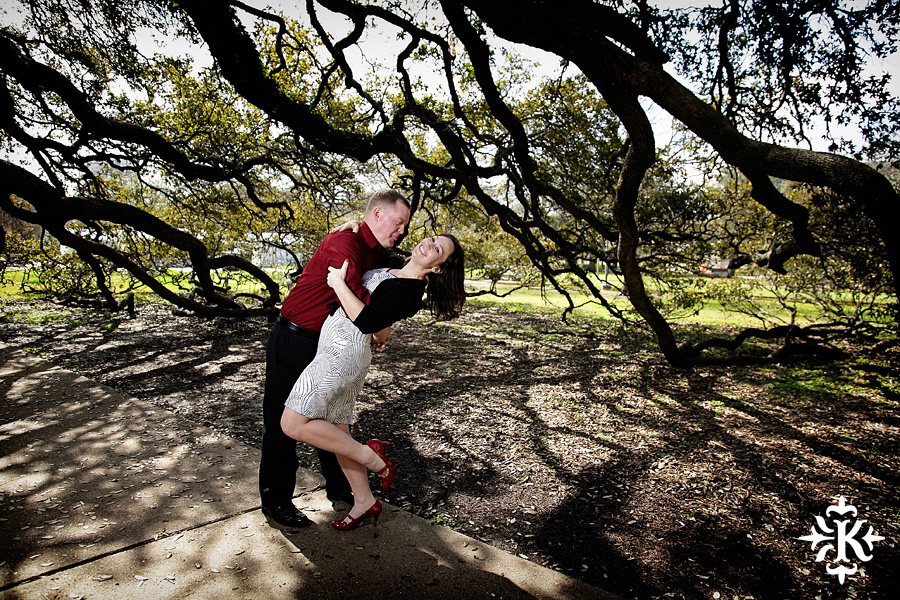 An engagement Texas Aggies photos session at the Century tree at Texas A&M (2)