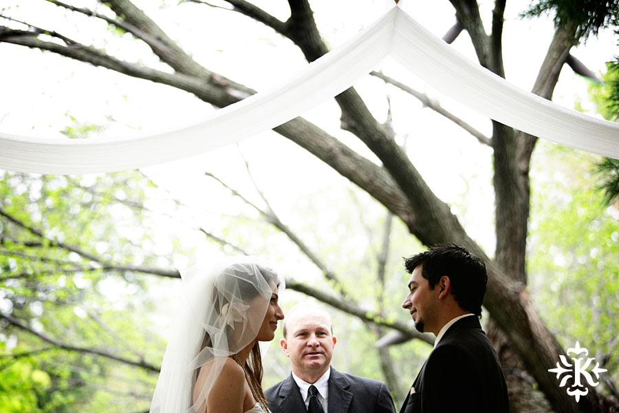 Austin wedding photographer captures moments at a Fort Worth Botanical Garden wedding (3)