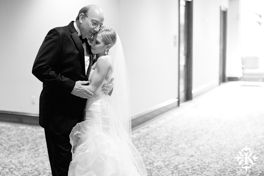 Houstonian wedding photos taken by Austin wedding photographer Tony Ku (15)