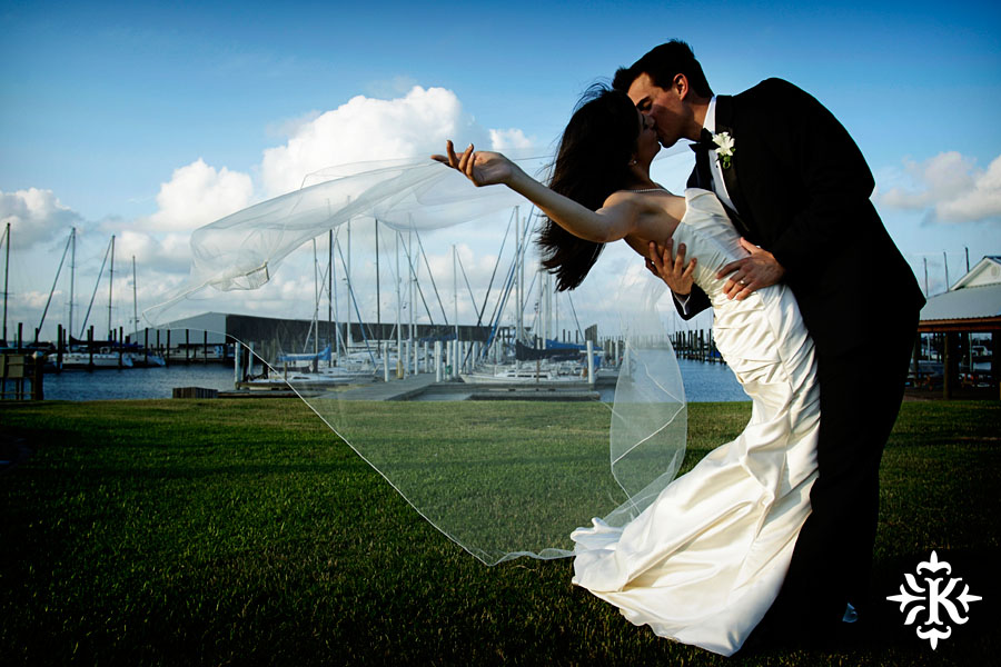 Houston Yacht Club Wedding photo taken by Austin wedding photographer Tony Ku