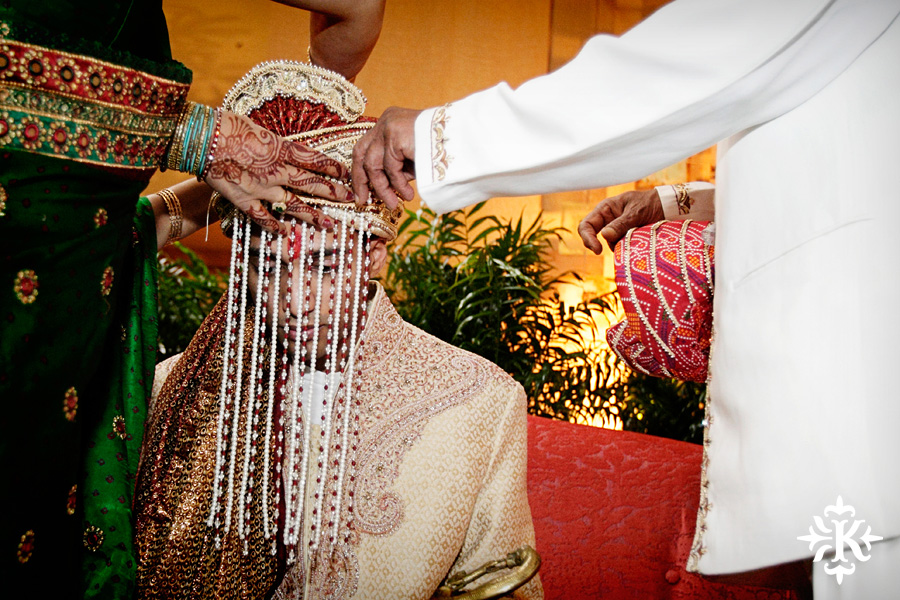 Indian wedding at the Omni Mandalay Hotel photographed by Austin wedding photographer Tony Ku (42)