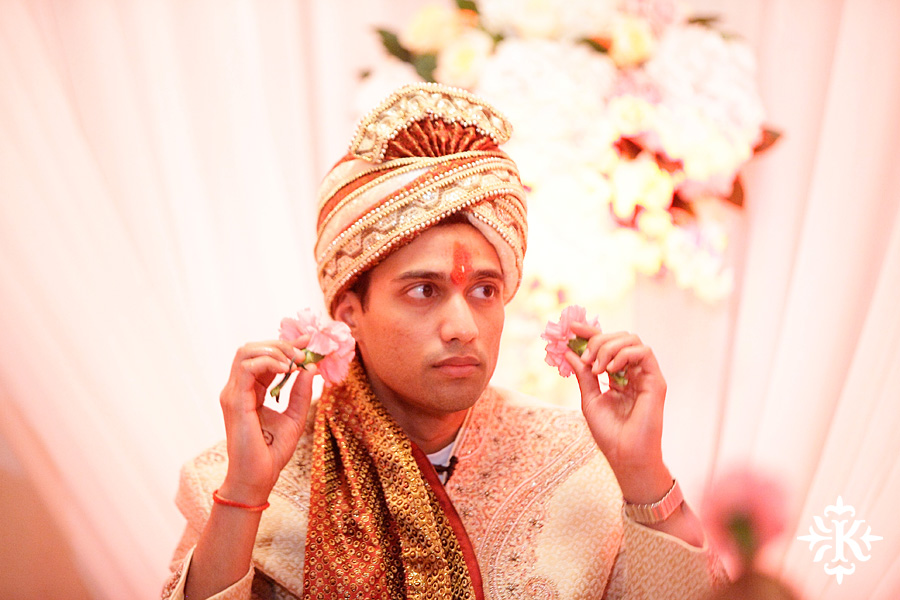 Indian wedding at the Omni Mandalay Hotel photographed by Austin wedding photographer Tony Ku (29)