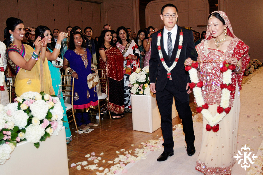 Indian wedding at the Omni Mandalay Hotel photographed by Austin wedding photographer Tony Ku (28)