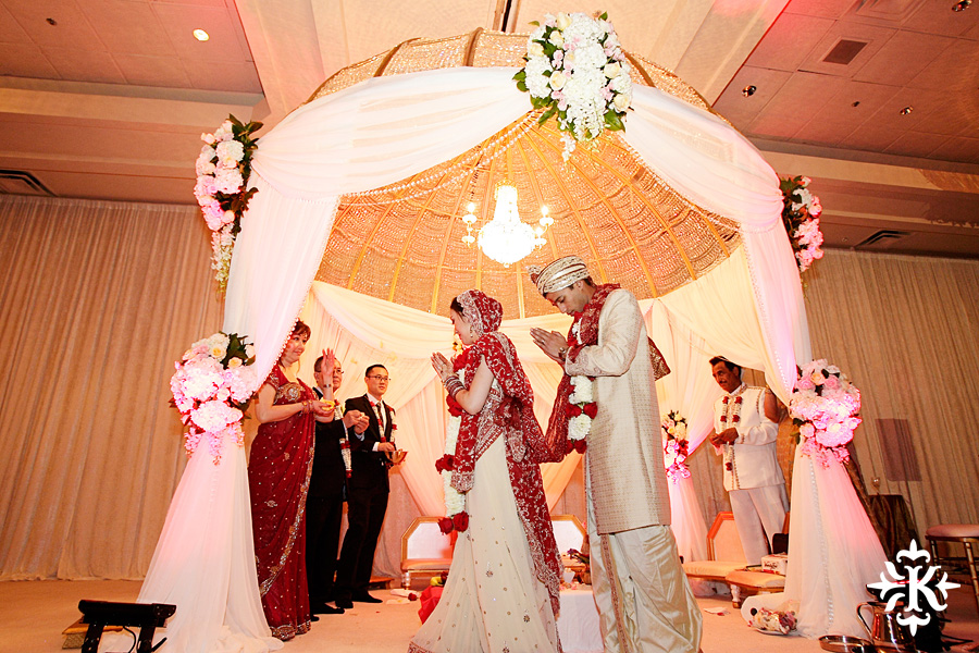 Indian wedding at the Omni Mandalay Hotel photographed by Austin wedding photographer Tony Ku (24)