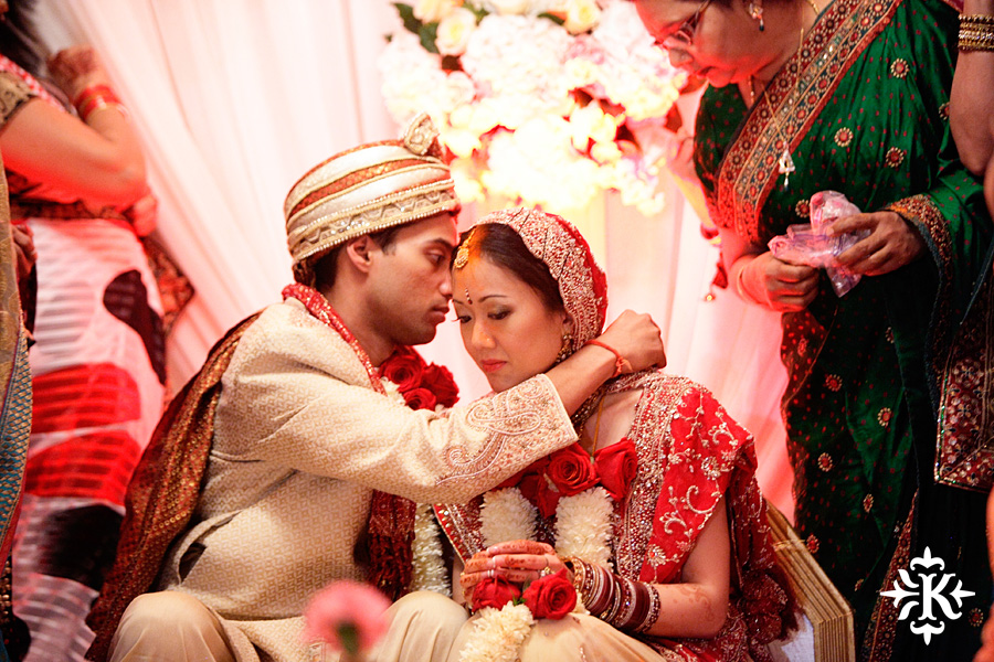 Indian wedding at the Omni Mandalay Hotel photographed by Austin wedding photographer Tony Ku (22)