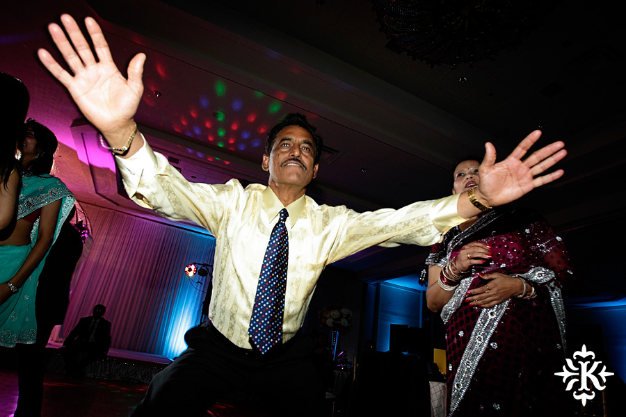 Indian wedding at the Omni Mandalay Hotel photographed by Austin wedding photographer Tony Ku (9)