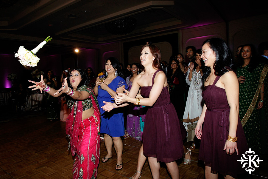 Indian wedding at the Omni Mandalay Hotel photographed by Austin wedding photographer Tony Ku (7)