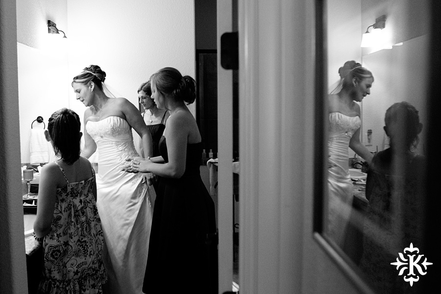 Horseshoe Bay Wedding photographed by Austin wedding photographer Tony Ku (6)