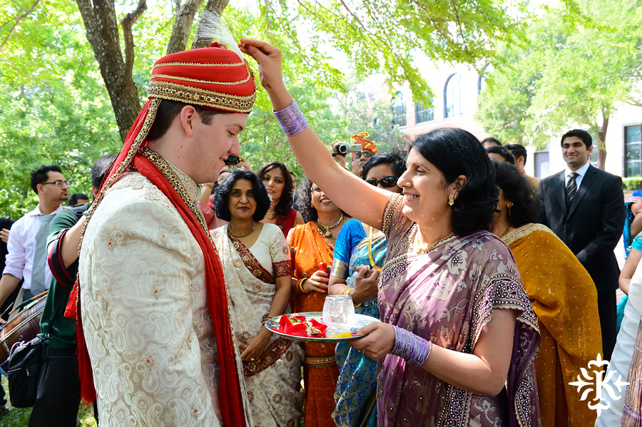 Austin Renaissance Indian Wedding Photos (19)