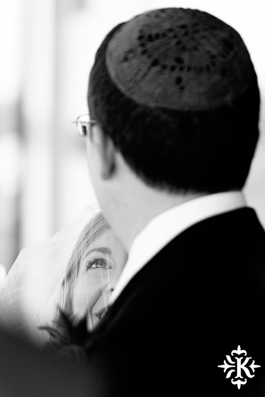 Jewish wedding photographed by Austin wedding photographer at the Lakeway Resort (41)